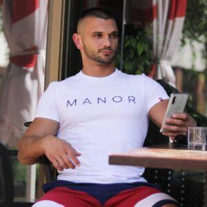 Bela muška majica sa printom 2